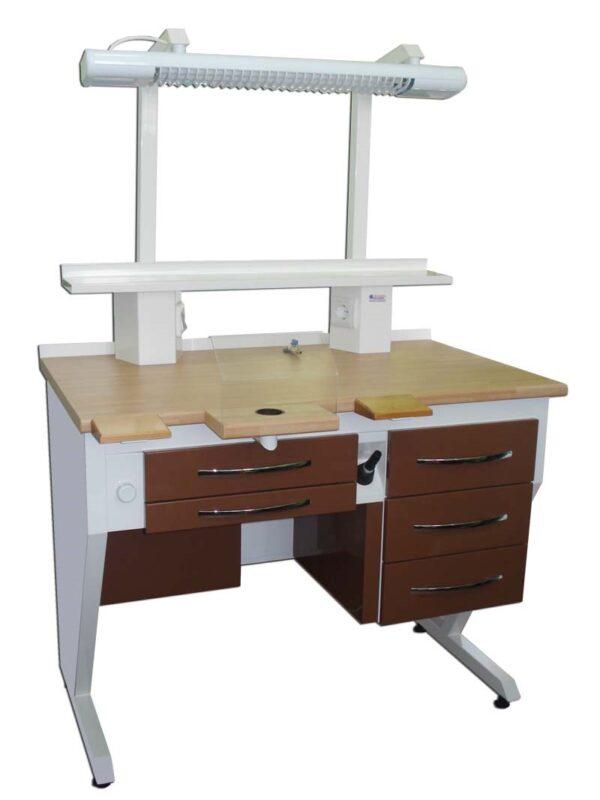 TM-110 Desk Technician